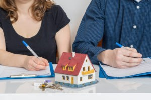 How Divorce Mediation Can Help You Keep Your Home